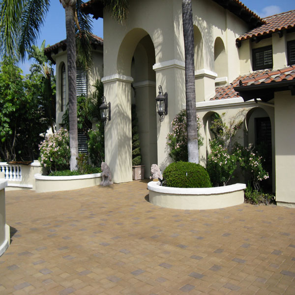 Paver Cleaning & Resealing